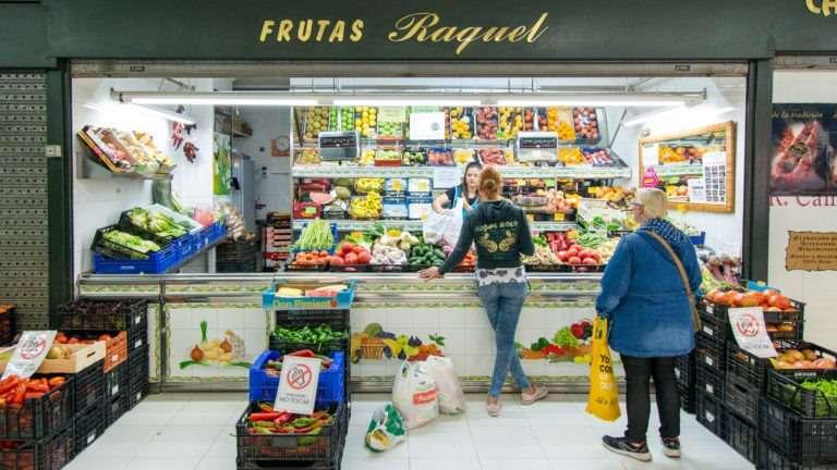 Frutas Raquel en Mercado del Corregidor